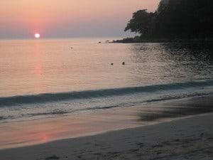 Tramonto a Kamala Beach