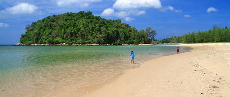 Spiaggia di Layan Beach