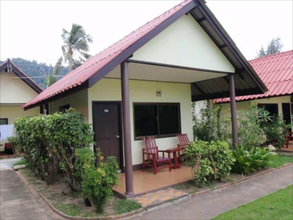 Koh Lanta Hotels - Golden Bay Cottages Resort - Cottage