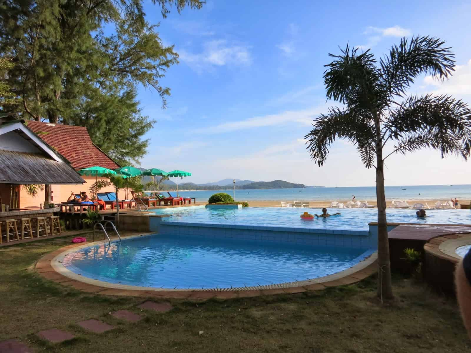 Twin Bay Resort - Piscina