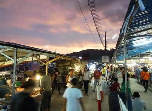 Naka Weekend Market