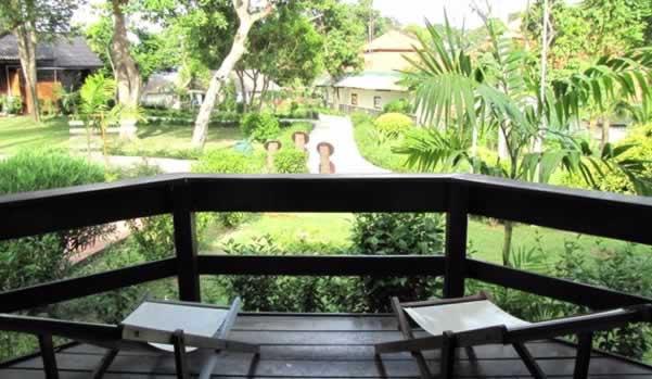 Phi Phi Natural Resort - Giardino
