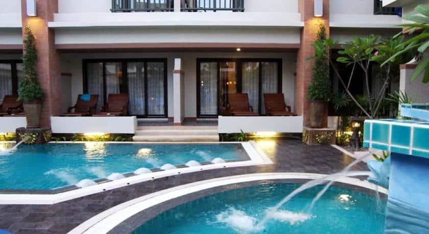 Phi Phi Hotel - Piscina