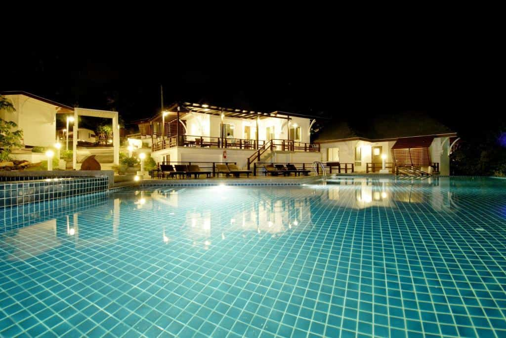 Al's Laemson Resort - Piscina